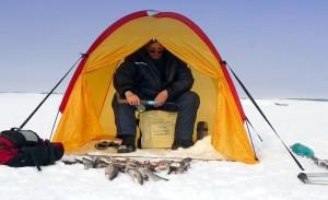 Какие палатки для зимней рыбалки стоит брать